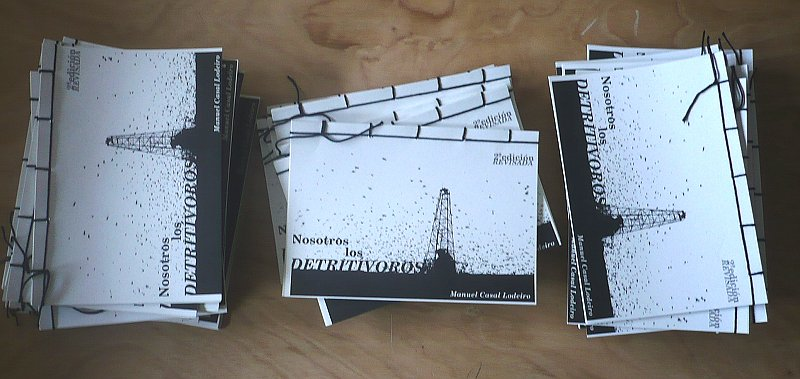 Exemplares da 2ª edición de 'Nosotros, los detritívoros'